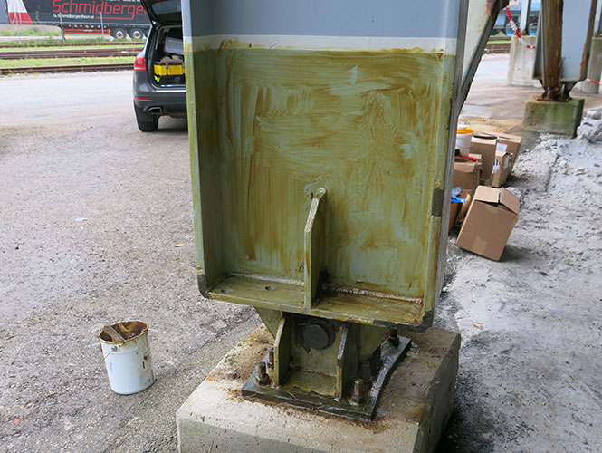 Premtape Hi-Tack Primer used on Steelwork before application of Steelcoat System