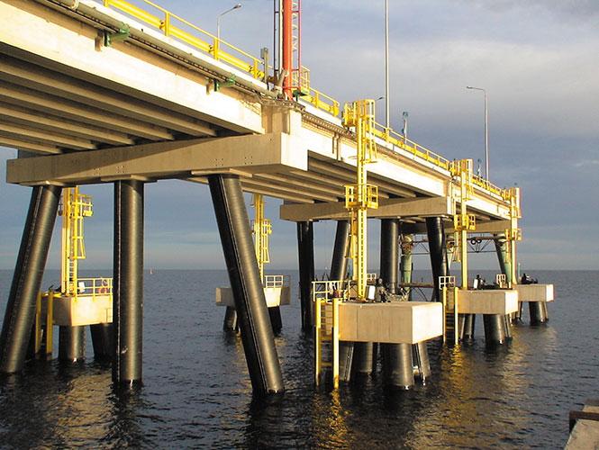 SeaShield 2000FD applied to jetty piles